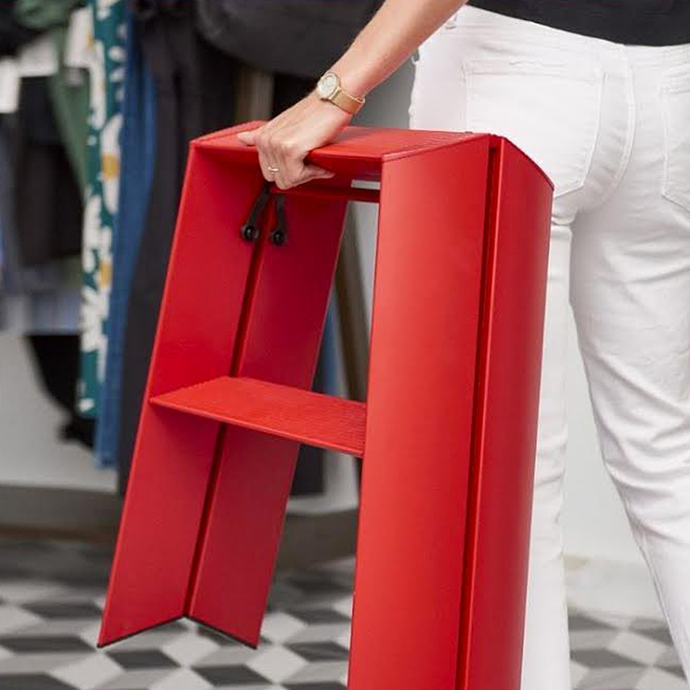 lucano ladder 2 step red lifestyle 04 1000