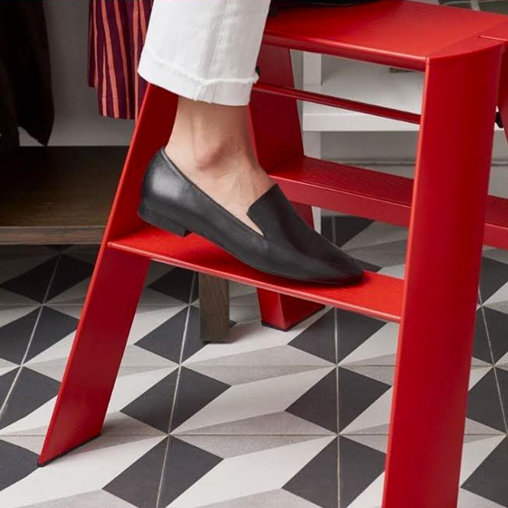 lucano ladder 2 step red lifestyle 05 1000