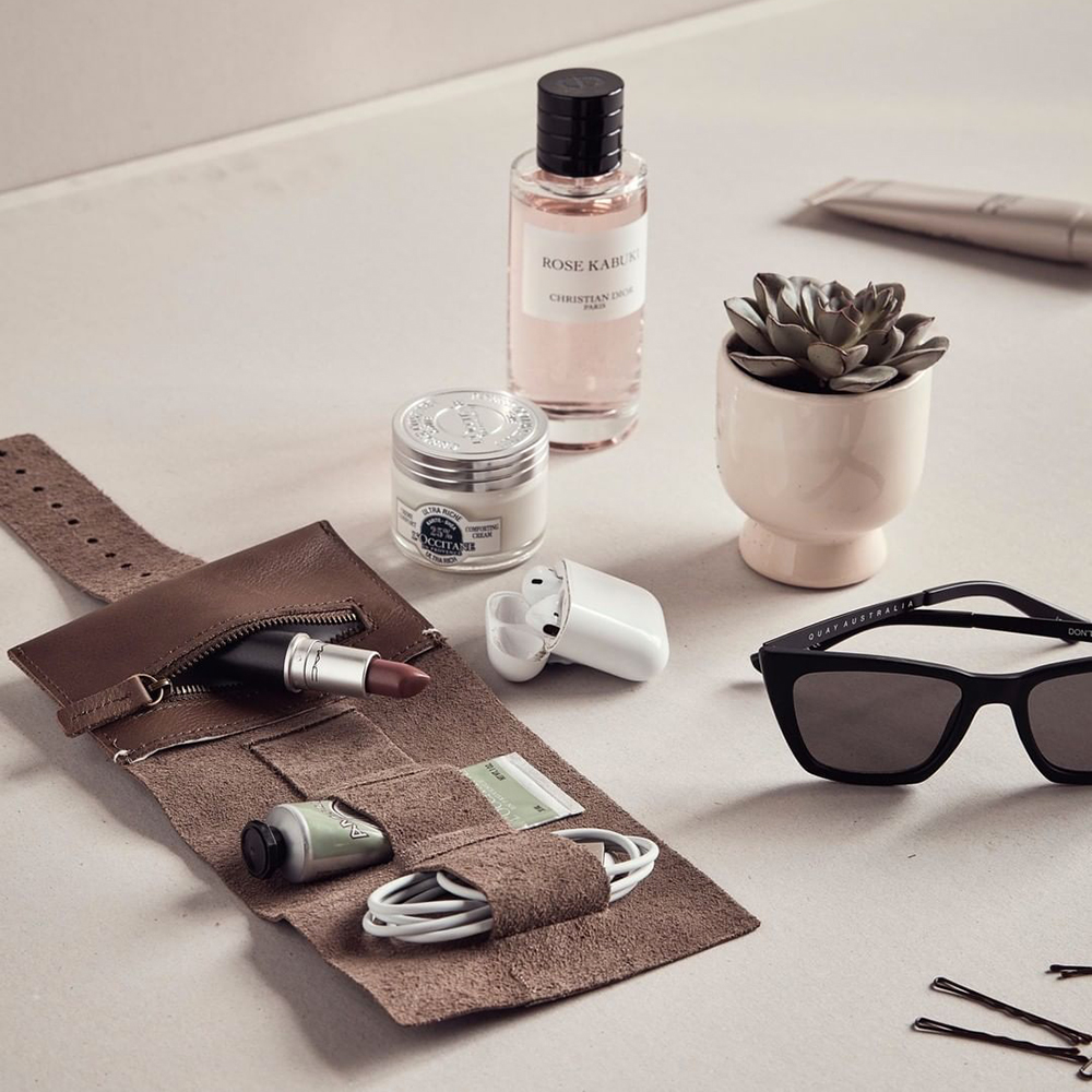 afternoons with albert cordroll grey lifestyle 01 1000