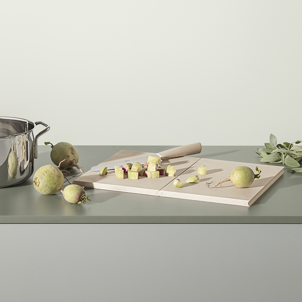 eva solo green tool double up cutting board lifestyle 02 1000