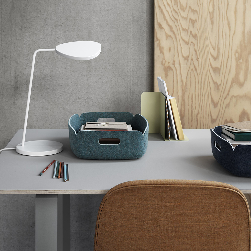 muuto compile bookend beige green lifestyle 01 1000