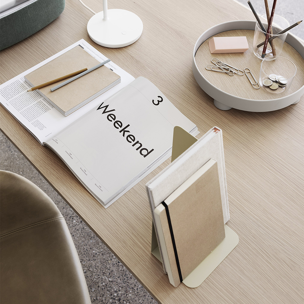 muuto compile bookend beige green lifestyle 04 1000