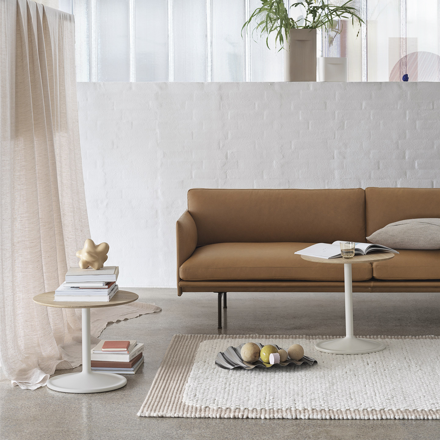 muuto outline 3 seater cognac leather soft side oak white wave 01 1500