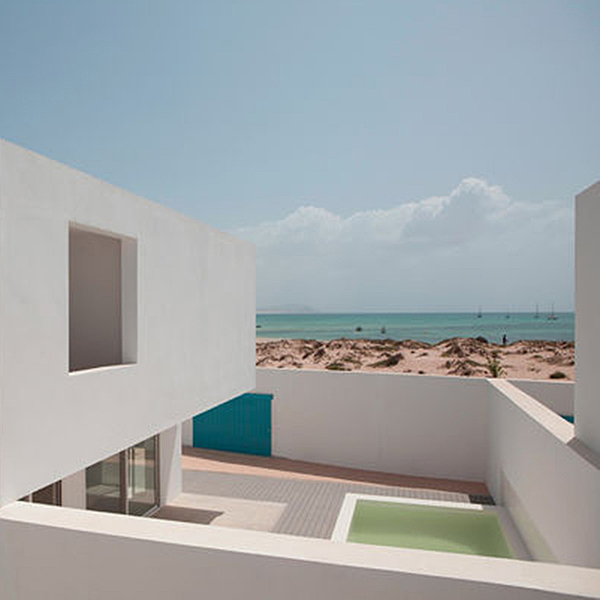 Sunday Inspiration  |  Estoril Beach House  |  Cape Verde news from top3 by design