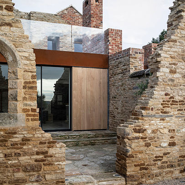 Sunday Inspiration  |  A home in the Ruins  |  United Kingdom news from top3 by design